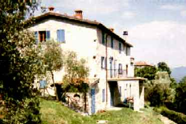 Fiori di Campo, a house to rent in Lunigiana, Tuscany