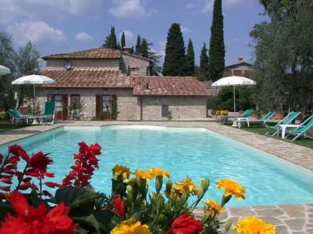 HELLO ITALY  - The Tuscany Specialists offering Self-catering Holidays in Tuscany and Umbria in villas, apartments and houses.